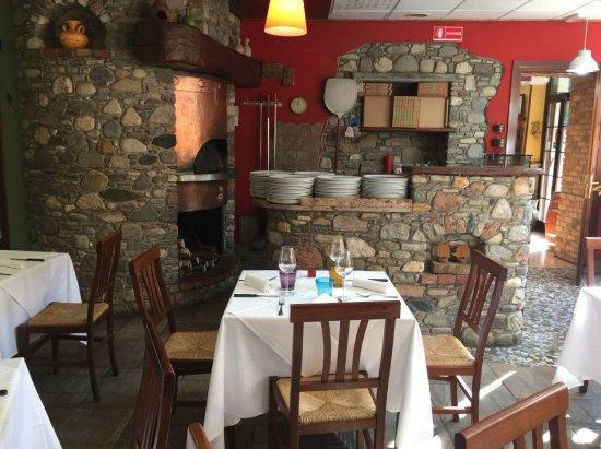 Germignaga, Italia: Saletta rossa