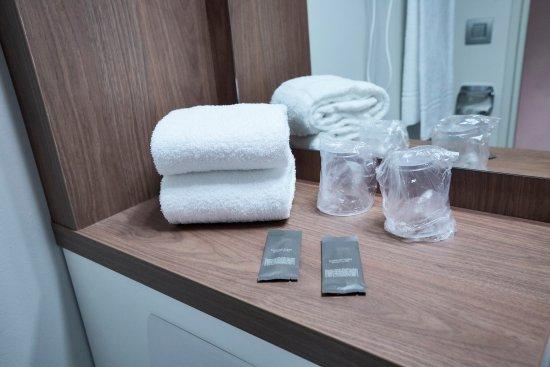 campanile cergy saint christophe hotel france voir les tarifs et 77 avis. Black Bedroom Furniture Sets. Home Design Ideas