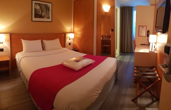 Kyriad libourne saint emilion hotel france voir les for Prix chambre kyriad