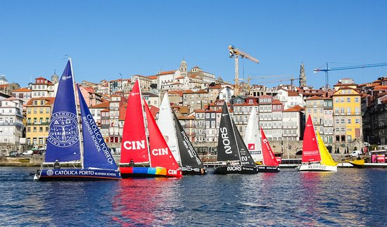 Vila Nova de Gaia, Portugal: Downtown Sailing.