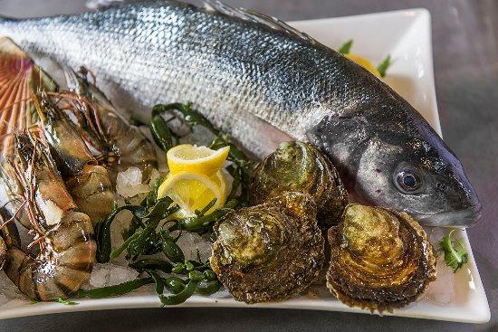 Lanaken, Belgio: Verse, lijngevangen vis en iedere dag verse Zeeuwse oesters.