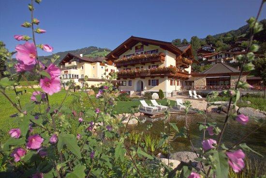 Brixen im Thale, Austria: Aussenansicht Sommer