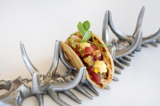Abiss : Taco de Poke de Atún con toques asiáticos