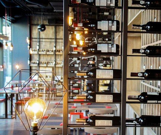 Alchemia Wina To Winiarnia I Restauracja Serwujaca Dania Kuchni