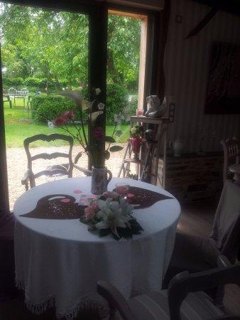 restaurant bois et chocolat dans bain de bretagne avec cuisine autres cuisines. Black Bedroom Furniture Sets. Home Design Ideas