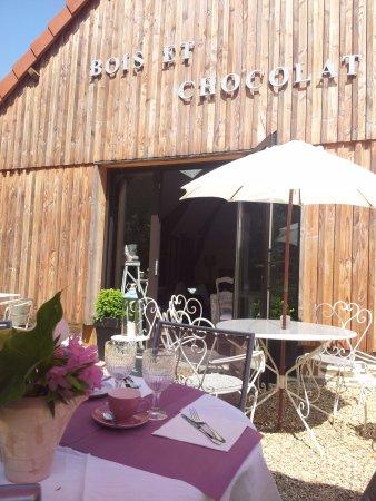 Bain-de-Bretagne, فرنسا: La terrasse est ouverte  tous les jours pour la pause dejeuner 10H 18H30