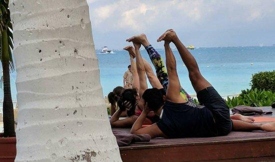 Dreams Sands Cancun Resort & Spa: morning yoga