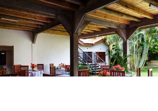 Christina House: Open Dinning