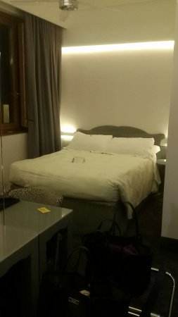Hotel Berna: 20180220_202130_large.jpg