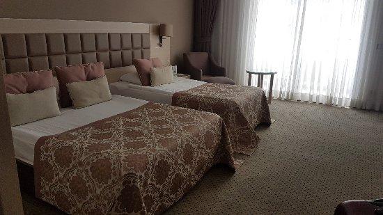 Miracle Resort Hotel: 20180220_131418_large.jpg