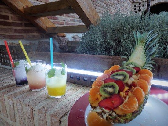 Robledo de Chavela, Spain: Mojitos & Fruta tropical