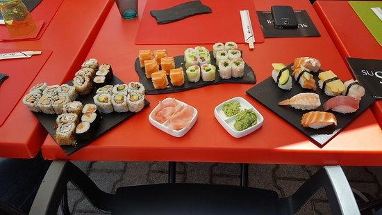 Sushi Or Not Sushi照片