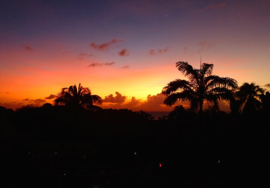 Sugar Cane Club Hotel & Spa: Sun set from our room