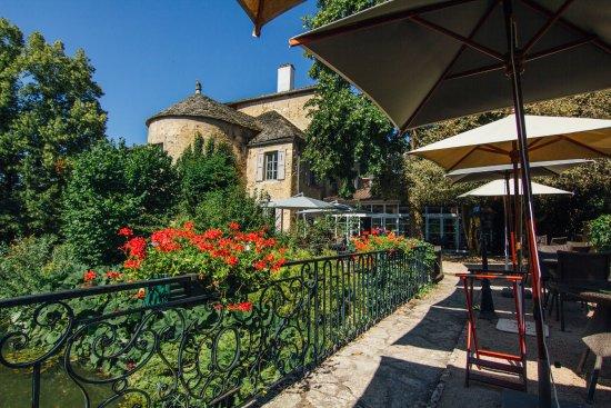 Igé, France : Ponton