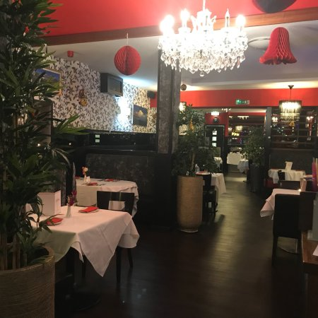 The dine Indian authentic restaurant In Broxburn