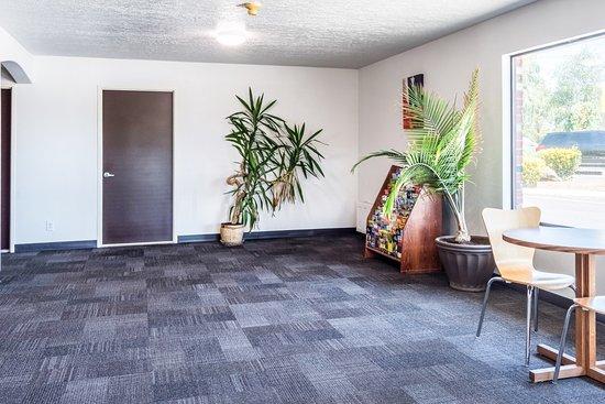 Entrance - Picture of Motel 6 Gresham City Center - Tripadvisor