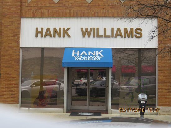 Entrance to Hank Williams Museum