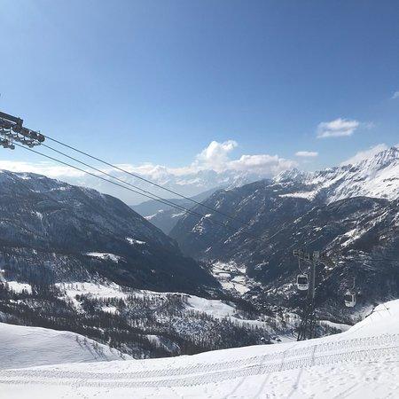 Zermatt-Matterhorn Ski Paradise: photo5.jpg