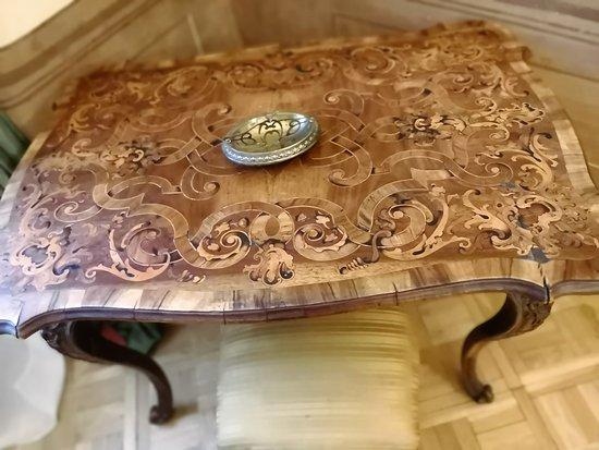 De la Motte - Beer Palota: Table with intarsia.
