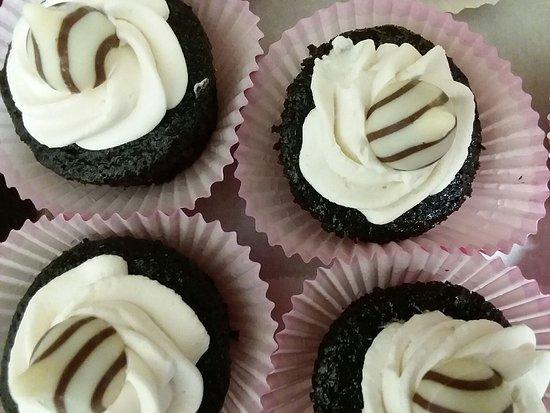 Carlisle, Pensilvania: Decadent chocolate kiss cupcakes