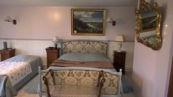 chambre d 39 hotes lambert rouen frankrig b b anmeldelser sammenligning af priser. Black Bedroom Furniture Sets. Home Design Ideas