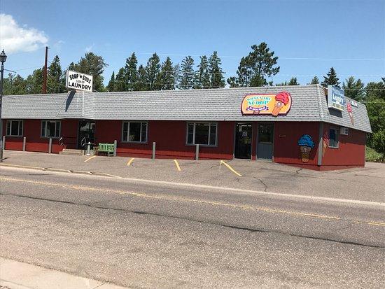 Woodruff, Висконсин: Lots of Parking front & back 🚕🚗🚍🚖
