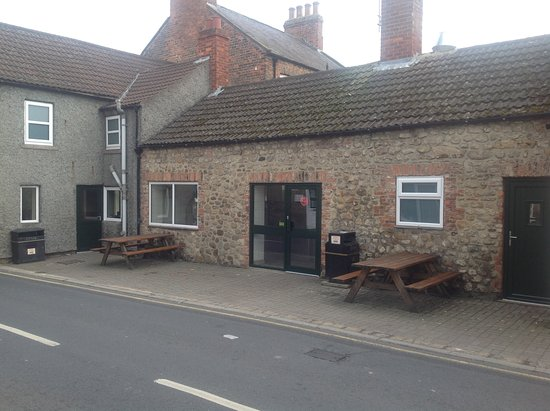 Bedale, UK: 35 seat cafe and takeaway with benches for when it's sunny!