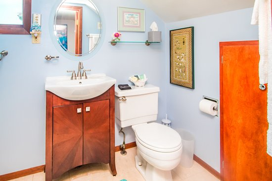 Long Beach, WA: Pacifica ensuite bathroom