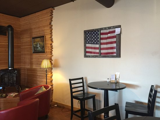 Quincy, WA: A cozy corner for some quiet conversation or computer work.