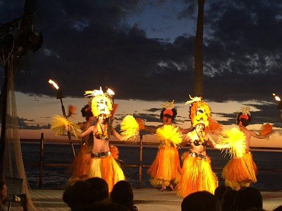 Royal Kona Resort Luau : Good views of show
