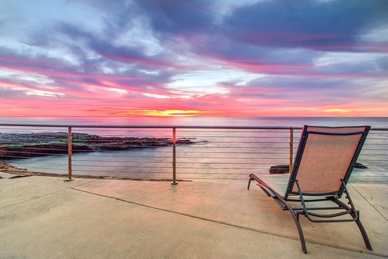 The Inn at Sunset Cliffs: Lower Terrace