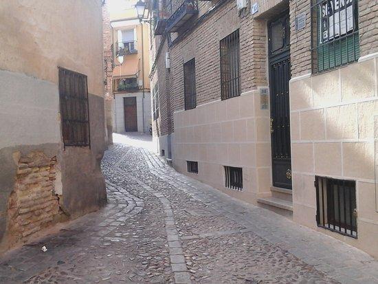 Esparza de Salazar, สเปน: Toledo y sus calles, mucha historia.
