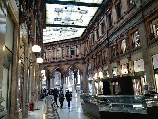 Galeria comercial bellamente restaurada en el coraz n de - Galeria comercial ...
