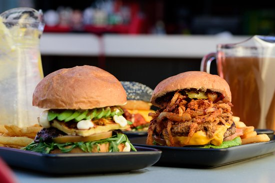 Taylors Lakes, Australia: Thursday $14.90 Burgers