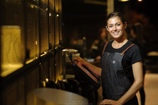 Oakleigh, Australie : Service with a smile