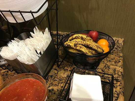 Richland Hills, TX: I had hoped to choose a fresh banana, not one of the brown-spotted bananas.