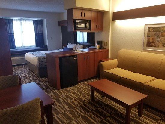Microtel Inn & Suites by Wyndham Middletown: 20180220_145455_large.jpg