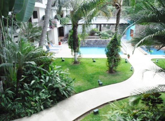 Hotel Casa Iguana: WELL MAINTAINED PATHS