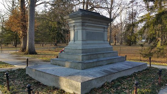 Fremont, OH: The final resting place of President Hayes and his wife