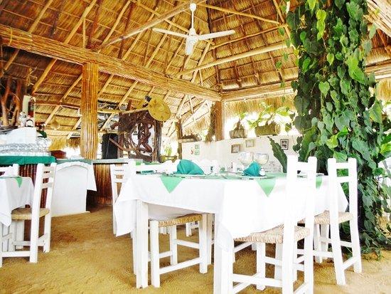 Tonyu0027s Hideaway Beautifully set tables & Beautifully set tables - Picture of Tonyu0027s Hideaway Mismaloya ...