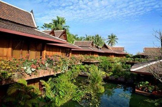 Angkor Village Hotel: Exterior