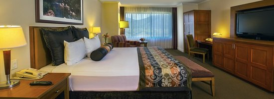Pala Casino Resort and Spa: Guest room