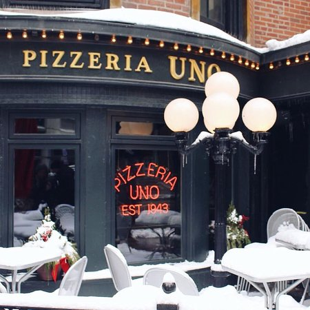 Pizzeria uno chicago restaurant reviews phone number for Pizzeria uno chicago