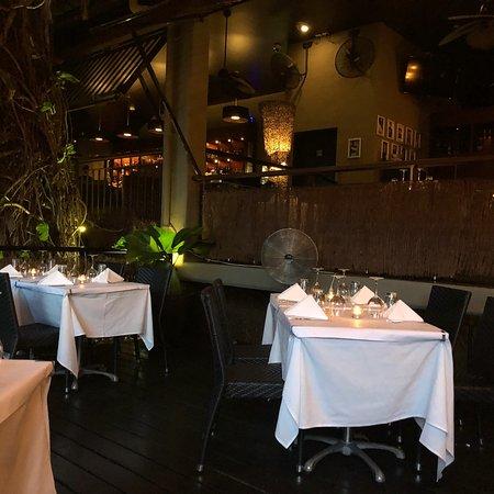 Watergate restaurant lounge bar port douglas for Porte 12 restaurant