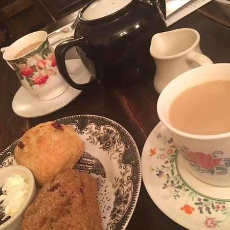 Alice's Tea Cup : photo0.jpg
