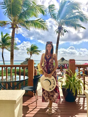 Bodden Town, เกาะแกรนด์เคย์แมน: on the terrace of the house