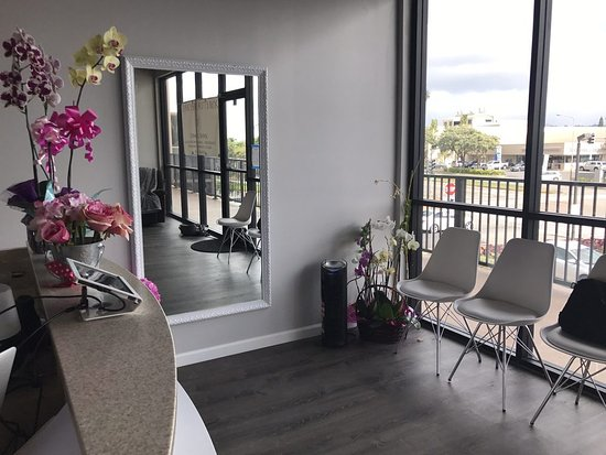 Waipahu, Hawaï: Centrally located on Oahu, 2 minutes off the H2 freeway. Clean and professional environment.