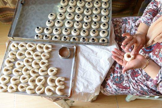 Zaghouan, Tunisia: Kaak Warka (patisserie andalouse)