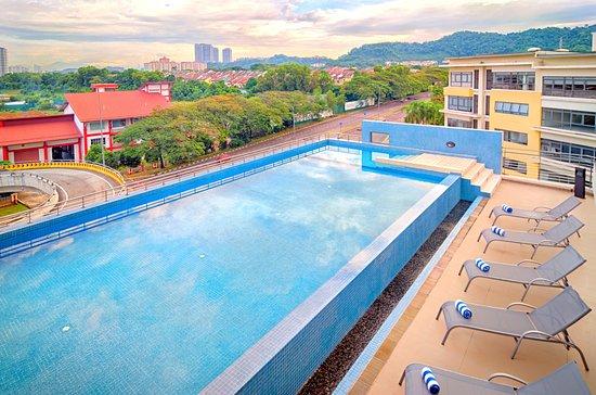Pool - Picture of Bespoke Hotel Puchong - Tripadvisor