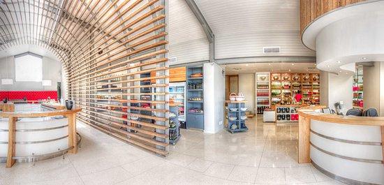 Van Loveren Family Cellar: Our beautiful tasting room